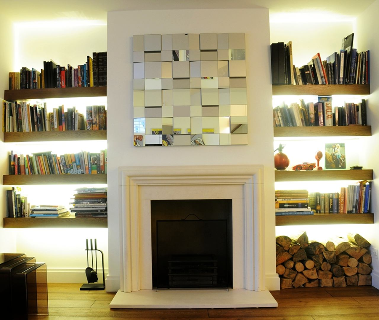 libreria incassata a muro